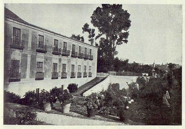 320_TRA-1924-205-Palacio de Buenavista, fachada-Foto Rodríguez