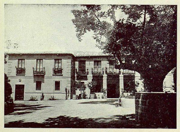 325_TRA-1925-219-Palacio de Buenavista, entrada al palacio-Foto Rodríguez