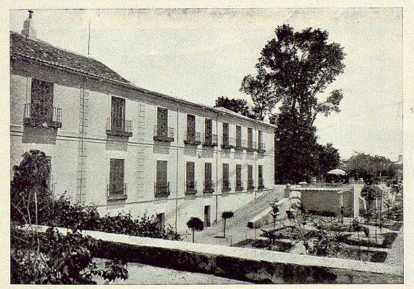 327_TRA-1925-219-Palacio de Buenavista, fachada y jardín-Foto Rodríguez