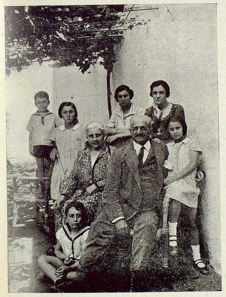 330_TRA-1925-219-Palacio de Buenavista, los Condes de Romanones y familia-Foto Rodríguez