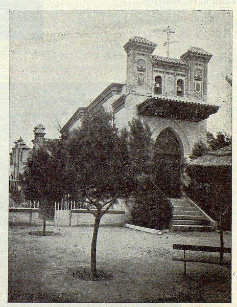 345_TRA-1924-203-Palacio de Higares de los Duques de la Vega, entrada a la capilla-Foto Rodríguez