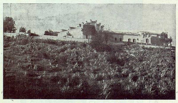 346_TRA-1924-203-Palacio de Higares de los Duques de la Vega, exterior del Palacio-Foto Rodríguez
