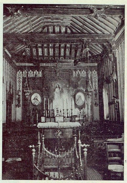 348_TRA-1924-203-Palacio de Higares de los Duques de la Vega, interior de la capilla-Foto Rodríguez