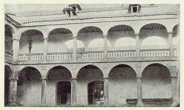 362_TRA-1922-187-Palacio de los Duques de Maqueda, patio