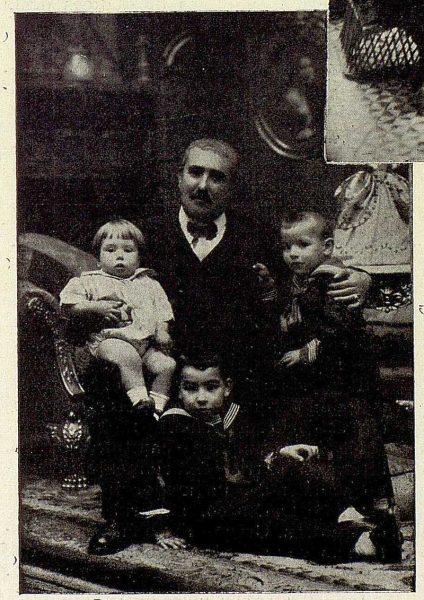 386_TRA-1926-230-Villa Luisa, el hotel Rómulo Muro, con sus nietos