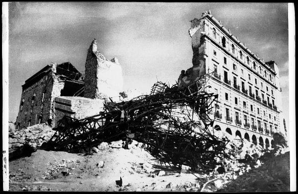 512 - Toledo - Alcázar en ruinas