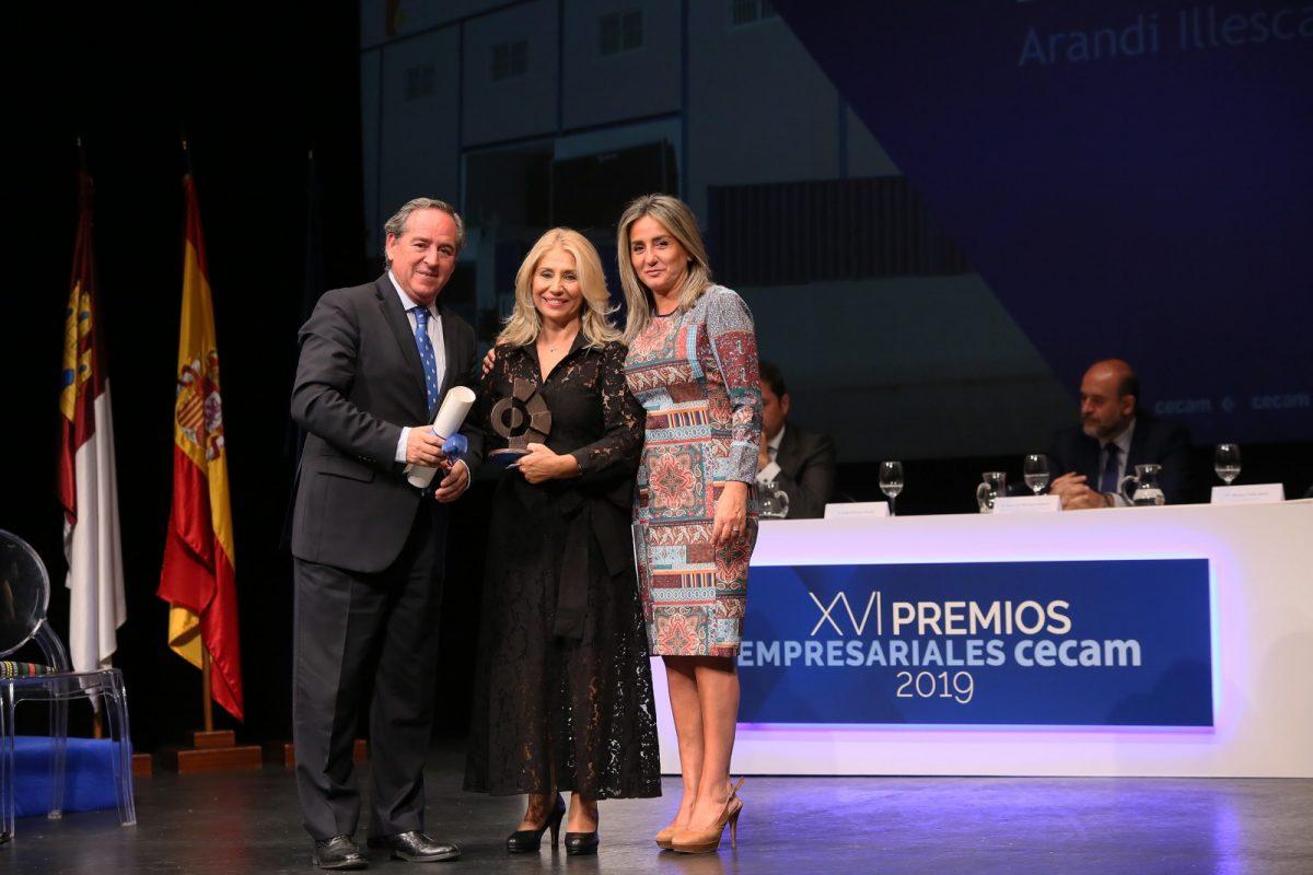 https://www.toledo.es/wp-content/uploads/2019/10/7_rpremios_cecam-1200x800.jpg. La alcaldesa destaca su firme apuesta por el desarrollo industrial y tecnológico de la capital en los XVI Premios Cecam