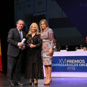 a alcaldesa destaca su firme apuesta por el desarrollo industrial y tecnológico de la capital en los XVI Premios Cecam