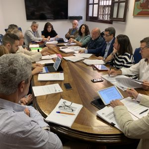 a Comisión de Hacienda aprueba la bajada del Impuesto de Circulación, la congelación de las tasas de la ORA y de autobuses