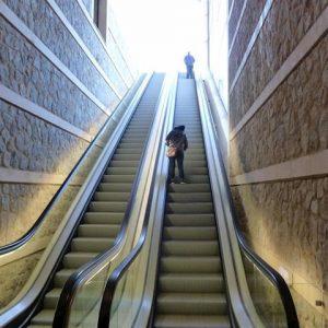 os tramos de bajada de las escaleras mecánicas del Miradero permanecerán cerrados cinco días por la reparación del montaje