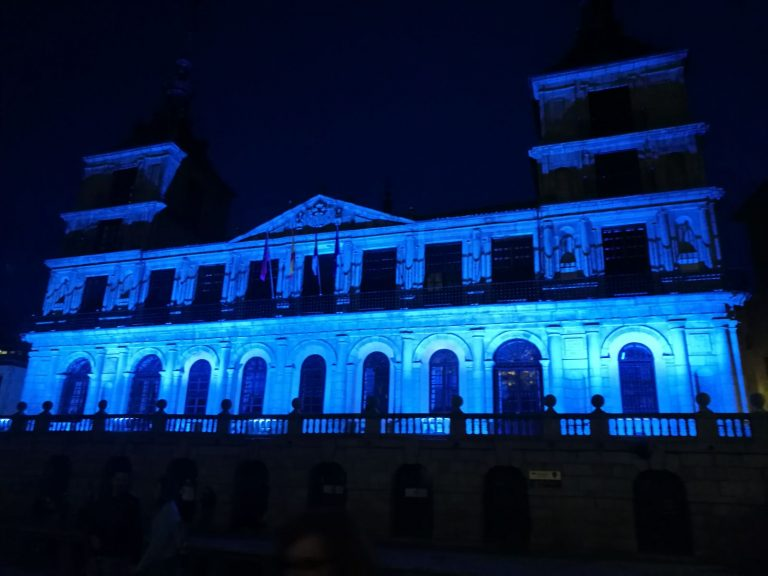 http://www.toledo.es/wp-content/uploads/2019/10/image0.jpeg. El Ayuntamiento iluminará de azul la fachada de la Casa Consistorial este jueves por el Día Mundial de la Dislexia