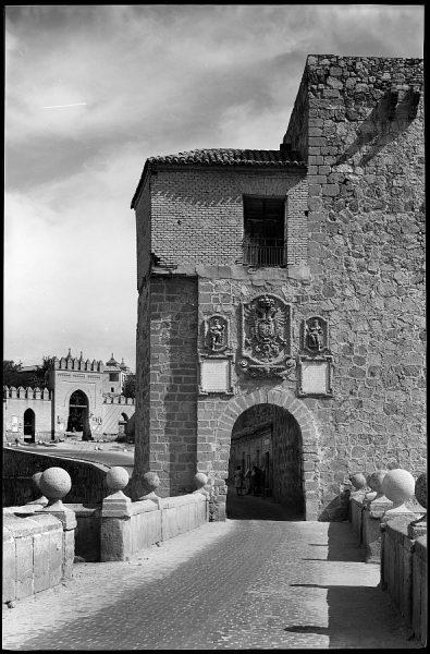 Toledo - Arco del Puente de San Martín