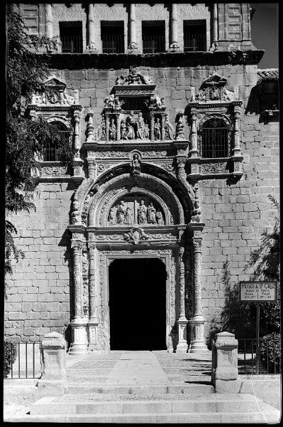 Toledo - Portada del Hospital de Santa Cruz