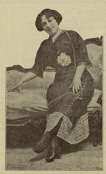 TRA-1917-066-Gloria de la Prada, escritora
