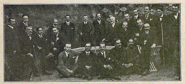 TRA-1917-072-Angel Vegue con amigos con los que leyó la conferencia Toledo-Foto Ciarán