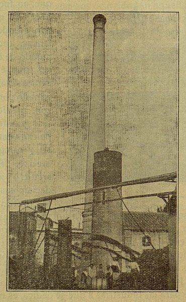 TRA-1917-083-La Carmencita, detalle de uno de los patios, sobrino de Domingo Marín