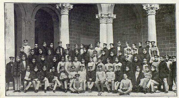 TRA-1918-092-El Coronel, Jefes y Oficiales de la Academia