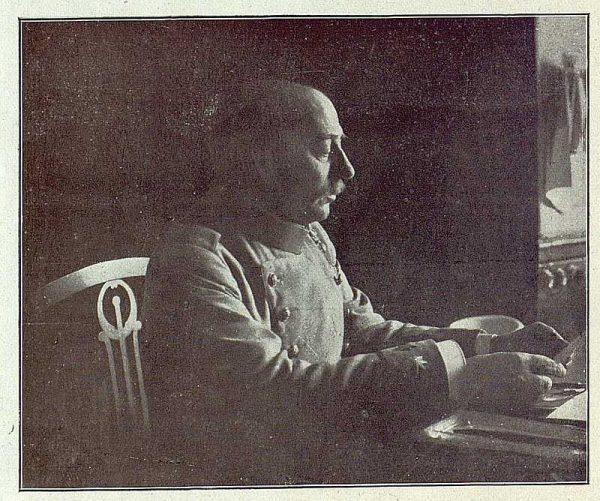 TRA-1918-092-El Coronel Marzo, director de la Academia