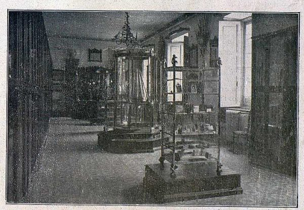 TRA-1918-096-Fábrica de Armas, sala de ventas