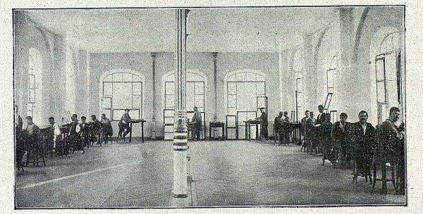 TRA-1918-096-Fábrica de Armas, taller de cincelado