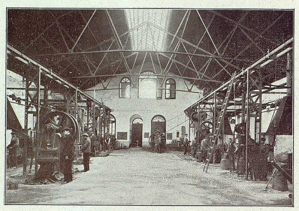 TRA-1918-096-Fábrica de Armas, taller de forja
