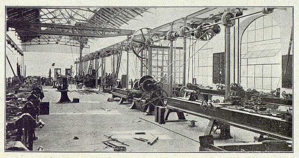 TRA-1918-096-Fábrica de Armas, taller de reparaciones