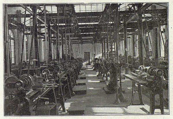 TRA-1918-096-Fábrica de Armas, tornos