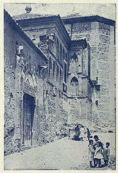 TRA-1919-128-Exterior del Convento de Santa Isabel-Foto Clavería