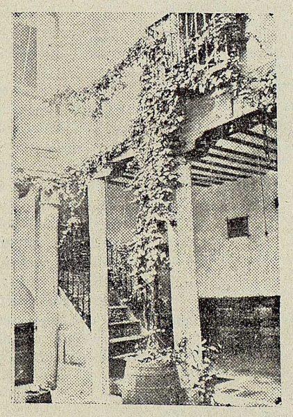 TRA-1920-140-Patio de la Casa de Becquer