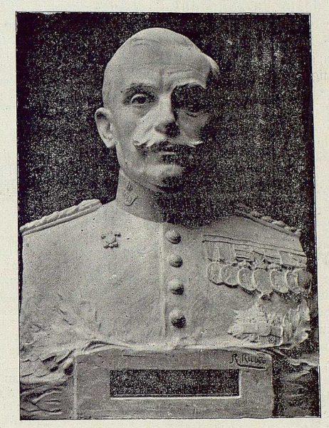 TRA-1920-144-Busto del General Villalba-Foto Rodríguez