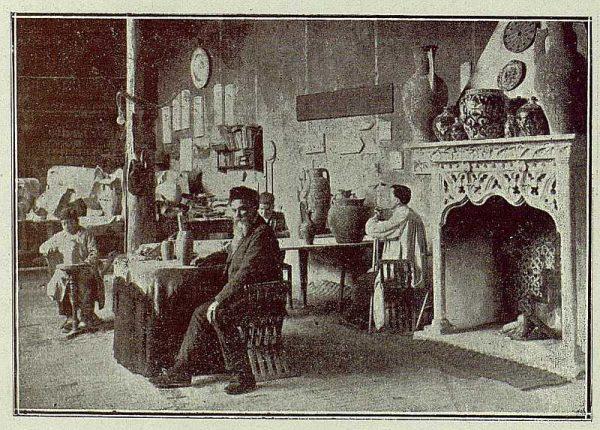 TRA-1921-163-Cerámica Aguado, taller de pintura