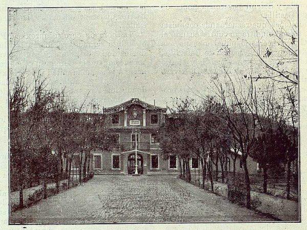 TRA-1922-179-Fábrica Nacional de Artillería, entrada principal-Foto Soto