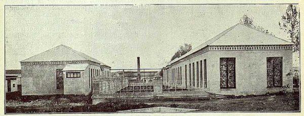 TRA-1922-179-Fábrica Nacional de Artillería, grupo de talleres para la fabricación de cápsulas-Foto Soto