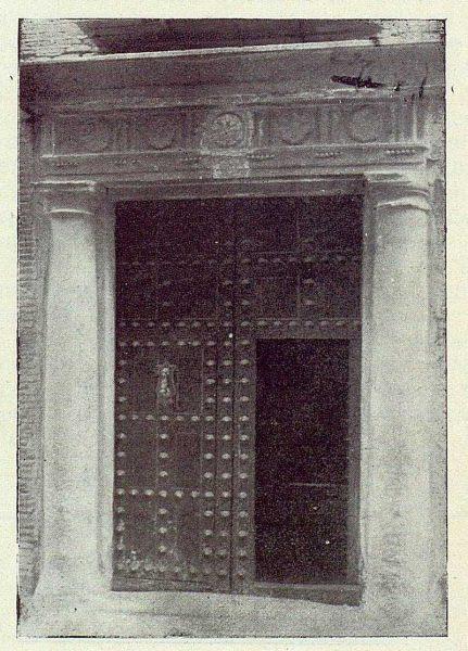 TRA-1922-185-Calle de la Plata 18, portada greco-romana