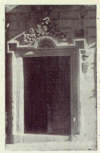 TRA-1922-185-Calle de la Plata 22, portada estilo Ventura Rodríguez,