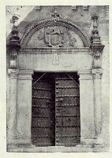 TRA-1922-185-Plaza de San Vicente 4, portada barroca