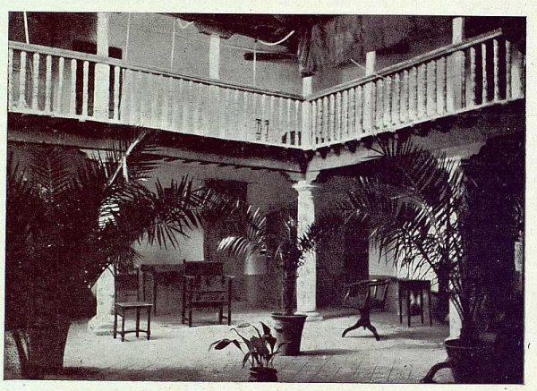 TRA-1922-189-Patio toledano-Foto Camarasa