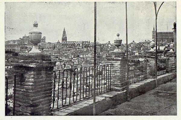 TRA-1922-189-Vista de Toledo desde la ermita del Valle-Foto López Bellver