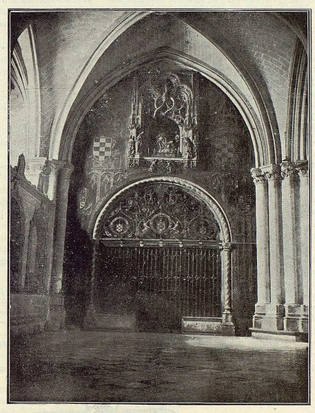 TRA-1923-192-Catedral, Capilla Mozárabe, portada-Foto Clavería