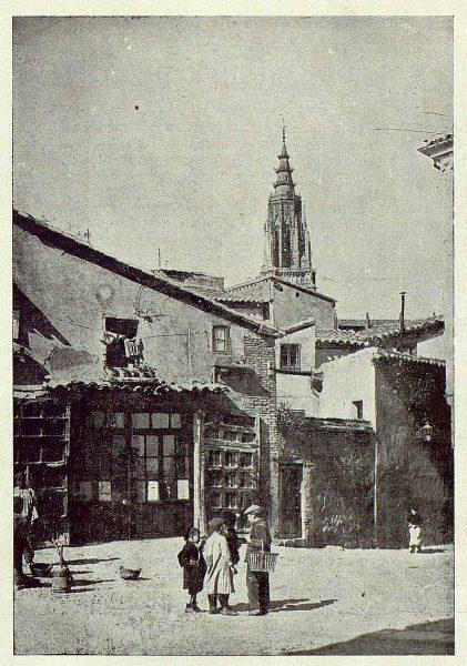 TRA-1924-203-Plaza de Santa Isabel-Foto Clavería