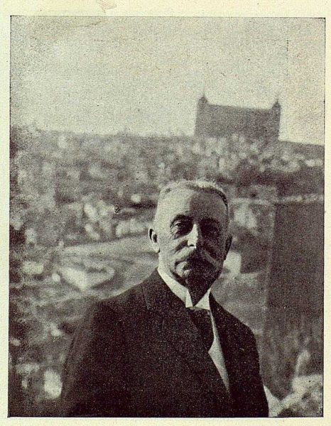 TRA-1924-208-Homenaje a Barrés, Mr. Bazin en la Virgen del Valle