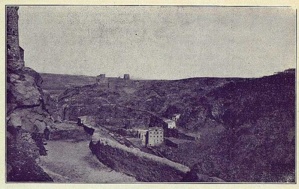TRA-1924-209-Ronda, por debajo de Santiago-Foto Rodríguez