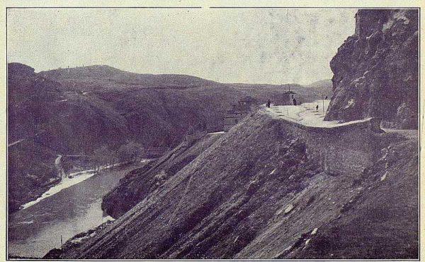 TRA-1924-209-Ronda, por delante del antiguo matadero-Foto Rodríguez