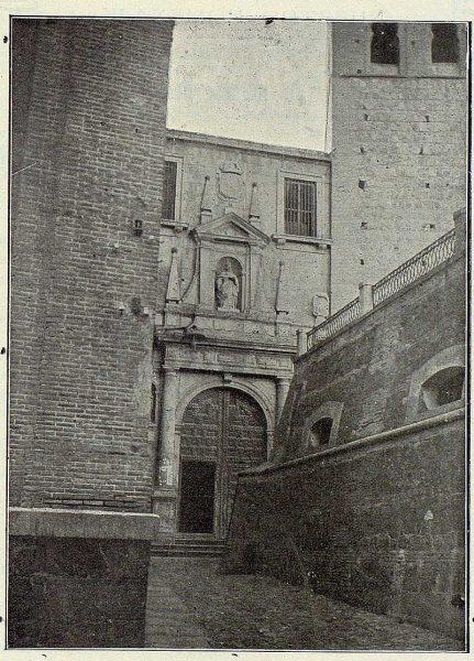 TRA-1924-214-Convento de San Pedro Mártir, portada-Foto Lozano