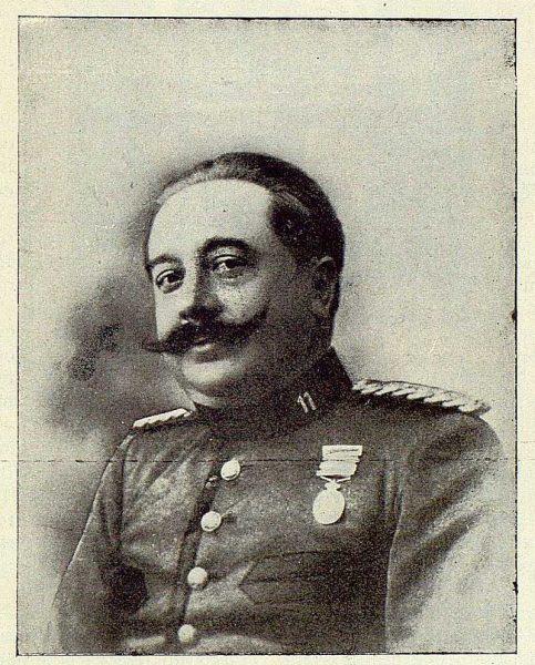 TRA-1925-216-Escribano Aguado, Capitán-Foto Rodríguez