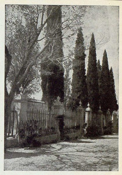 TRA-1925-225-Cementerio-Foto Rodríguez