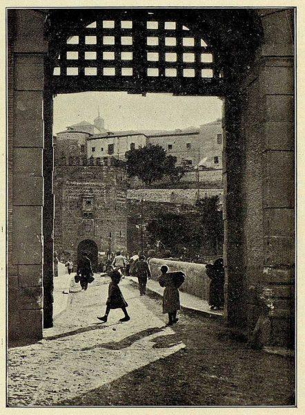 TRA-1926-227-Puente de Alcántara-Foto Clavería