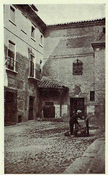 TRA-1926-231-Plaza de las Capuchinas