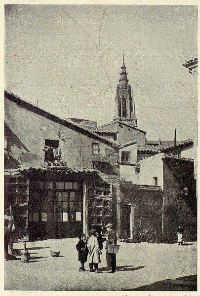 TRA-1926-231-Plaza de Santa Isabel