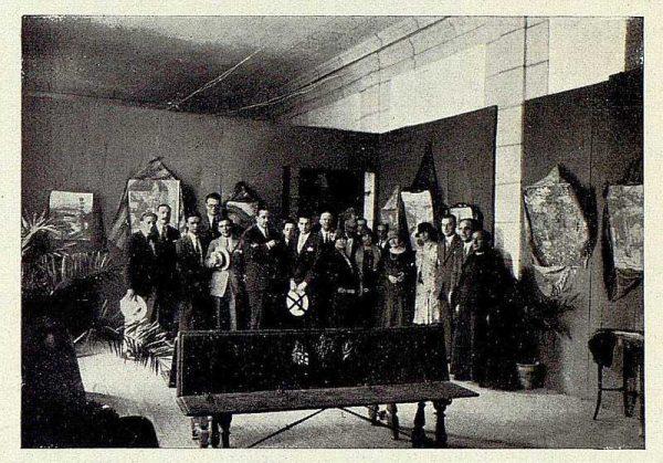 TRA-1926-236-Exposición de cuadros de Ángel Oliveras Grant